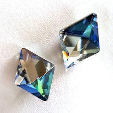 Обеци с кристали Swarovski® TILTED SPIKE Sahara**, Синьо-Зелен цвят, Код PR E542