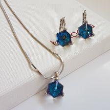 Бижута  декорирани със SWAROVSKI® CUBE Bermuda Blue BBL, Син, Колие и Обеци, 8мм, Код PR S636