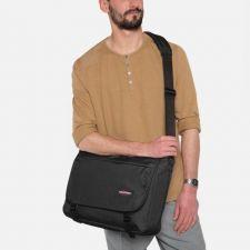 Луксозна Чанта Eastpak в елегантен черен цвят, Код F232