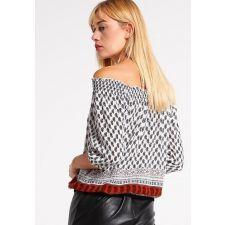 Дамска блуза ONLY с етно мотиви и голи рамене, Размер M,  Код BL0101