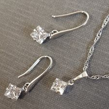 Бижута с кристали SWAROVSKI® SQUARE, Crystal - Бял цвят, Колие и Обеци 6 мм, Код PR S613