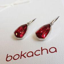 Обеци с кристали SWAROVSKI® SLIM TRILLIANT в цвят Scarlet - Червен цвят, Код PR E633A